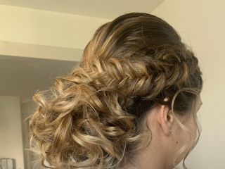 Lucie Barbas Hair 2