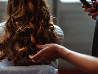 Agathe Hair and Make Up 5