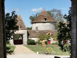 Château et Relais de Neuville 1
