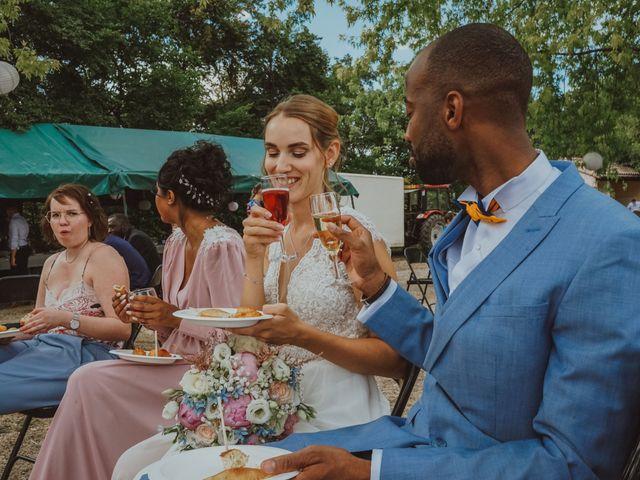 Le mariage de Aguib et Emeline à Bissy-la-Mâconnaise, Saône et Loire 35