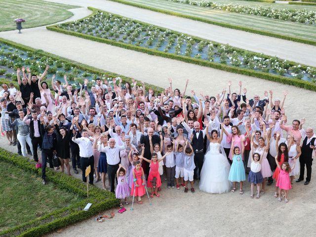 Le mariage de Simon et Isabelle à Chinon, Indre-et-Loire 49