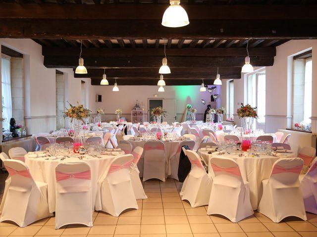 Le mariage de Simon et Isabelle à Chinon, Indre-et-Loire 56