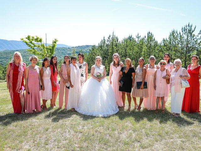 Le mariage de Franck et Nikita à Viens, Vaucluse 2