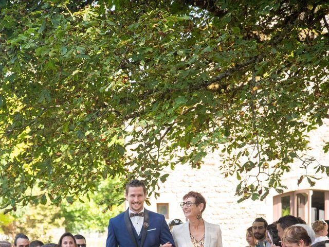 Le mariage de Fabien et Laura à Saint-Privat, Corrèze 15