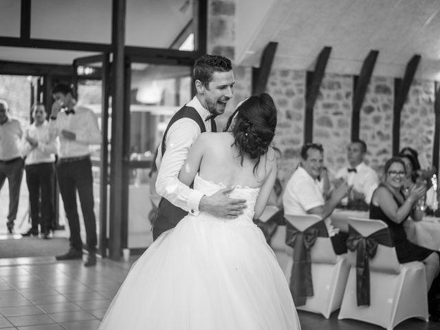 Le mariage de Fabien et Laura à Saint-Privat, Corrèze 31