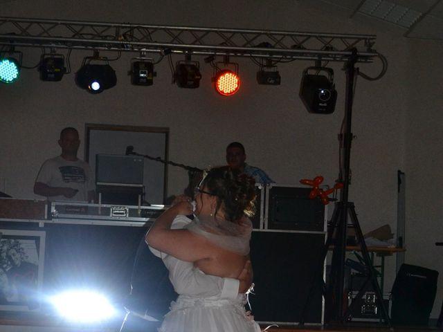 Le mariage de Yohann et Morgane  à Fontaine-Saint-Lucien, Oise 40