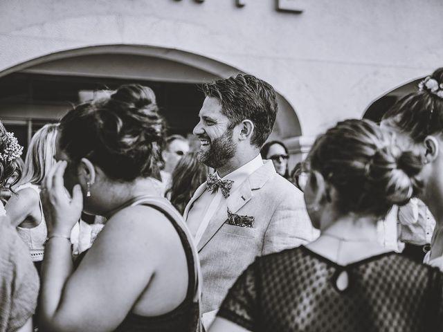 Le mariage de Julien et Anne à Roquefort-les-Pins, Alpes-Maritimes 39