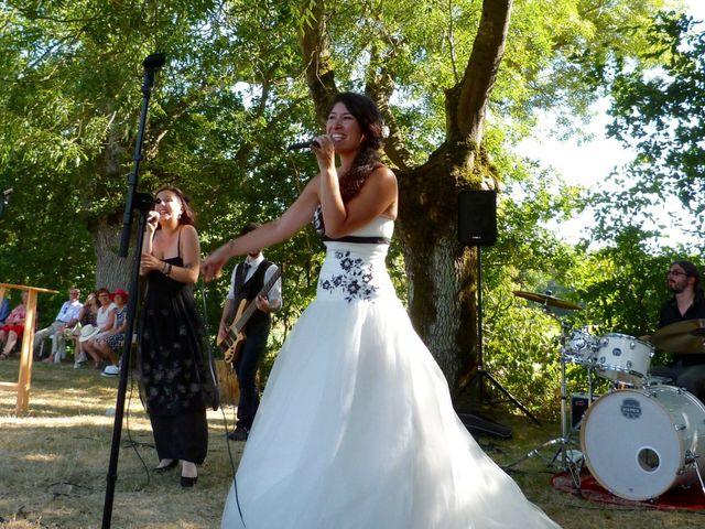 Le mariage de Eric et Caroline à Saint-Laurent-des-Autels, Maine et Loire 9