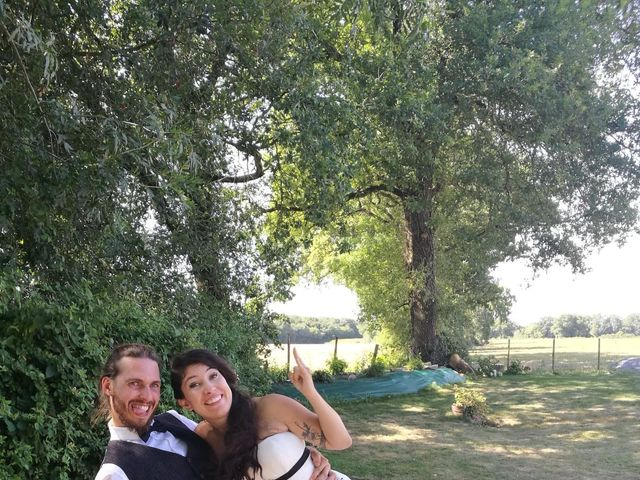 Le mariage de Eric et Caroline à Saint-Laurent-des-Autels, Maine et Loire 12