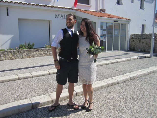 Le mariage de Eric et Caroline à Saint-Laurent-des-Autels, Maine et Loire 18