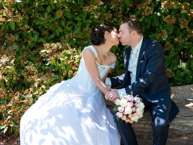Le mariage de Nicolas et Rebecca à Aubigny-sur-Nère, Cher 11