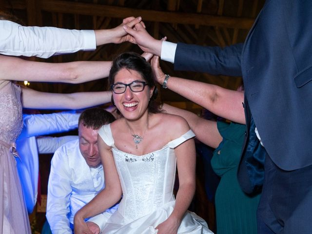 Le mariage de Nicolas et Rebecca à Aubigny-sur-Nère, Cher 22