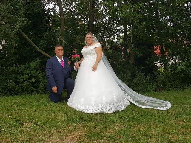 Le mariage de Vantouroux  et Betsy à Divion, Pas-de-Calais 4
