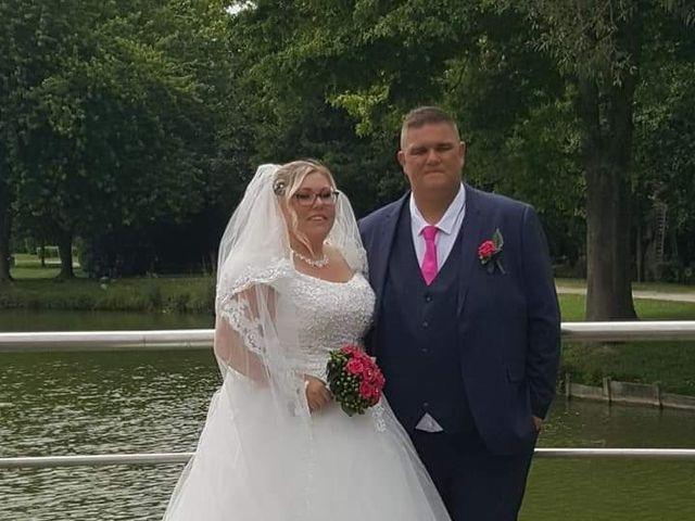 Le mariage de Vantouroux  et Betsy à Divion, Pas-de-Calais 7