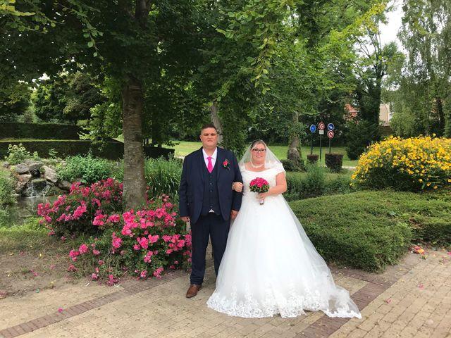 Le mariage de Vantouroux  et Betsy à Divion, Pas-de-Calais 19