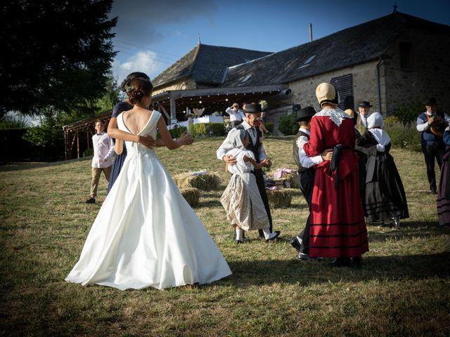Le mariage de Joaquim et Charline à Servières-le-Château, Corrèze 17
