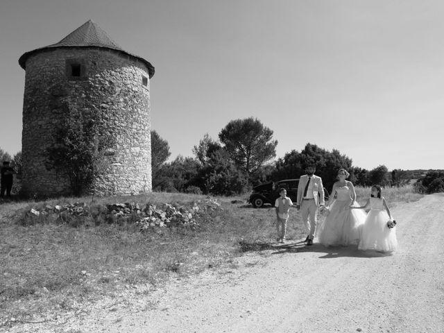 Le mariage de Julien et Pamela à Parignargues, Gard 9