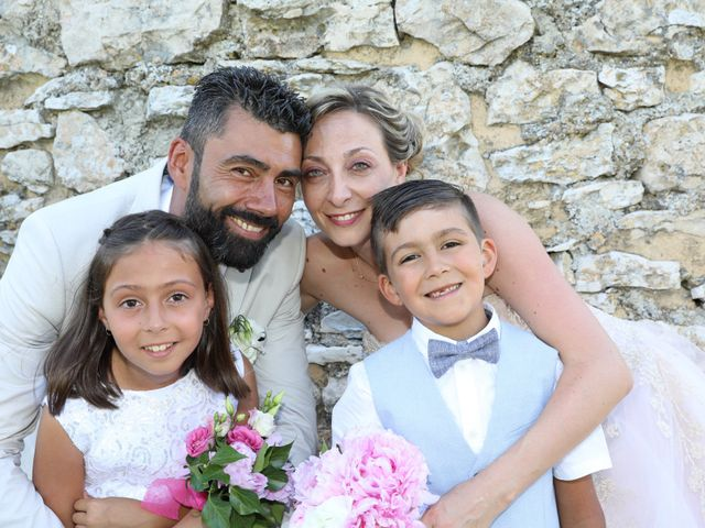 Le mariage de Julien et Pamela à Parignargues, Gard 11