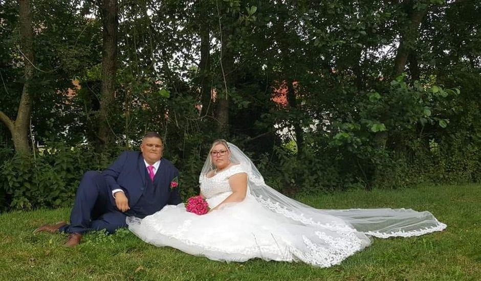 Le mariage de Vantouroux  et Betsy à Divion, Pas-de-Calais