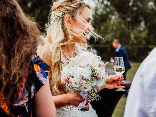 Le mariage de Thomas et Claire à Bersée, Nord 35