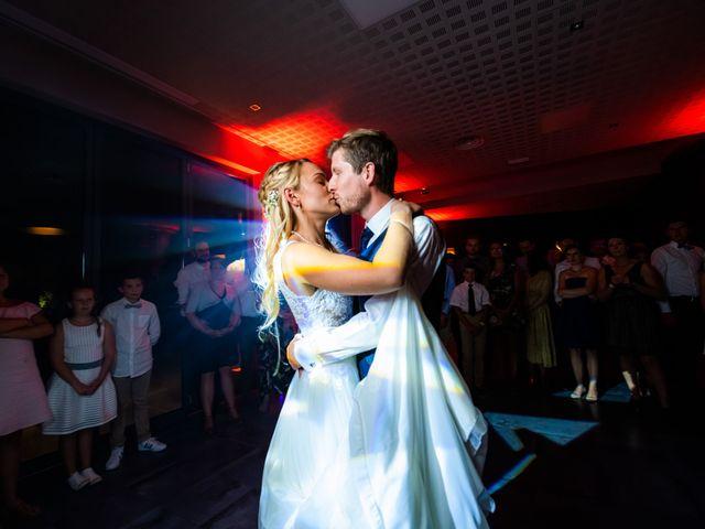Le mariage de Thomas et Claire à Bersée, Nord 40