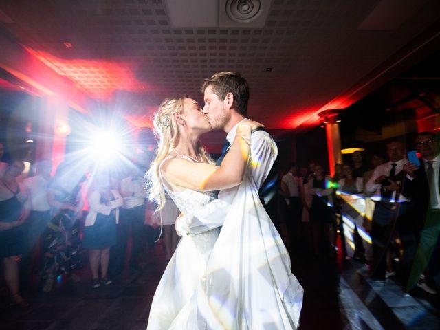 Le mariage de Thomas et Claire à Bersée, Nord 41