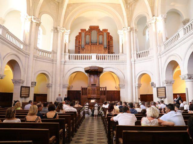 Le mariage de Julien et Lucie à Nîmes, Gard 8