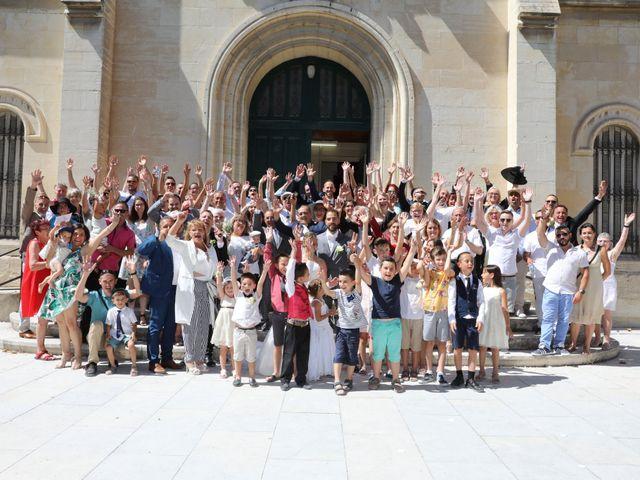 Le mariage de Julien et Lucie à Nîmes, Gard 9