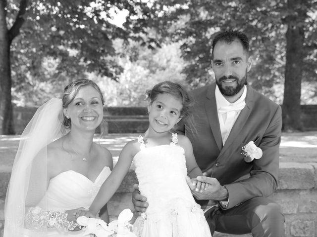 Le mariage de Julien et Lucie à Nîmes, Gard 13