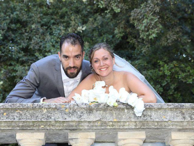 Le mariage de Julien et Lucie à Nîmes, Gard 14