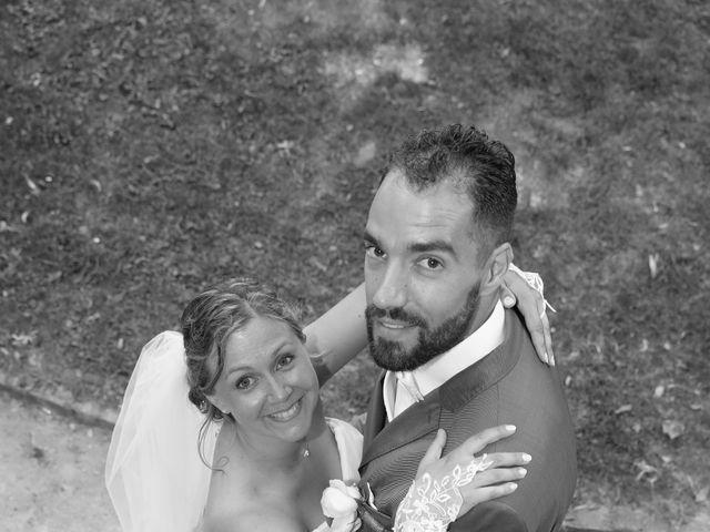 Le mariage de Julien et Lucie à Nîmes, Gard 15