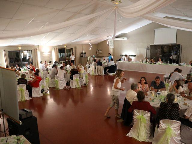 Le mariage de Julien et Lucie à Nîmes, Gard 23