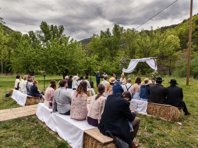 Le mariage de Chol et Mélusine à Nyons, Drôme 23