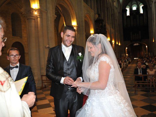 Le mariage de Aurélien et Charlène à Caen, Calvados 9