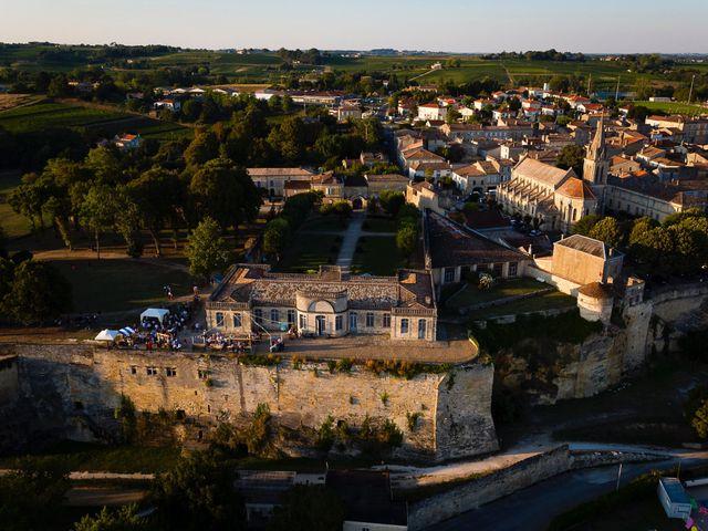 Le mariage de Emmanuel et Jennifer à Bourg, Gironde 34