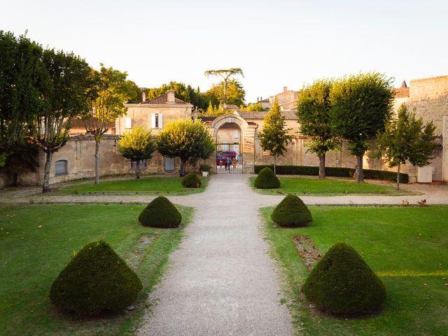 Le mariage de Emmanuel et Jennifer à Bourg, Gironde 35