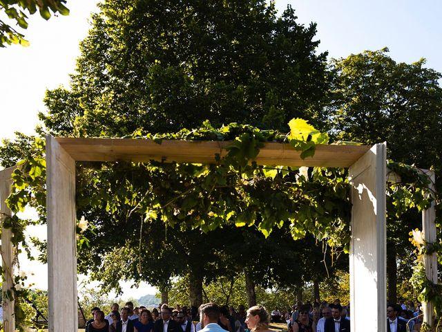 Le mariage de Emmanuel et Jennifer à Bourg, Gironde 49