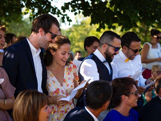Le mariage de Emmanuel et Jennifer à Bourg, Gironde 75