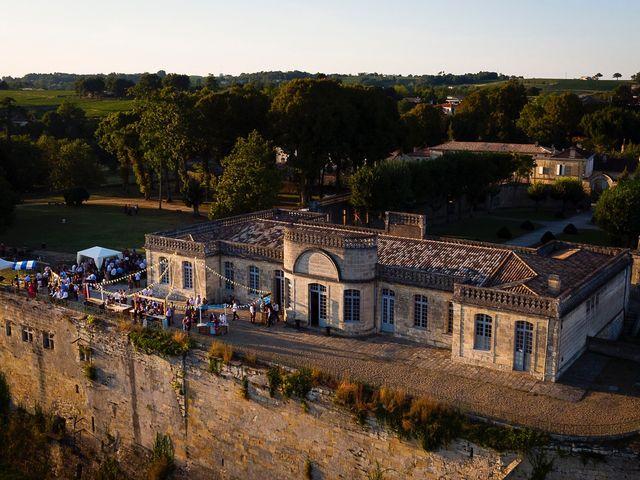 Le mariage de Emmanuel et Jennifer à Bourg, Gironde 106