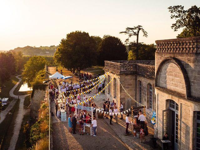 Le mariage de Emmanuel et Jennifer à Bourg, Gironde 107