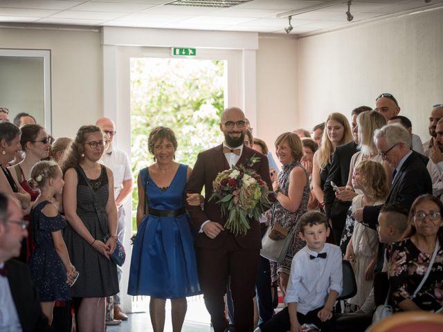 Le mariage de Rémy et Sophie à Belvès-de-Castillon, Gironde 6