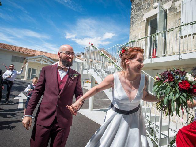 Le mariage de Rémy et Sophie à Belvès-de-Castillon, Gironde 12
