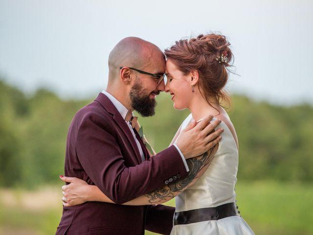 Le mariage de Rémy et Sophie à Belvès-de-Castillon, Gironde 15