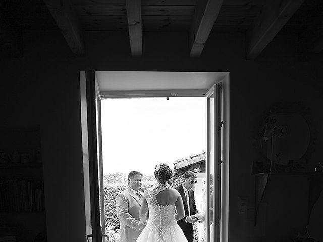 Le mariage de Benjamin et Amélie à Fontaine-Chalendray, Charente Maritime 22
