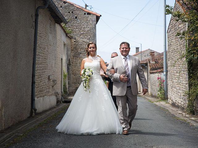 Le mariage de Benjamin et Amélie à Fontaine-Chalendray, Charente Maritime 24