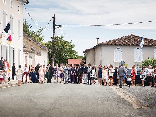 Le mariage de Benjamin et Amélie à Fontaine-Chalendray, Charente Maritime 34