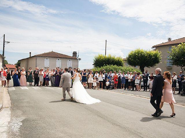 Le mariage de Benjamin et Amélie à Fontaine-Chalendray, Charente Maritime 35