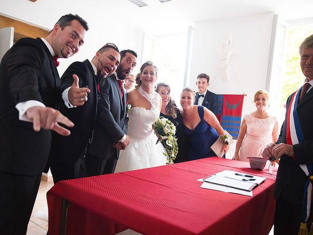 Le mariage de Benjamin et Amélie à Fontaine-Chalendray, Charente Maritime 36