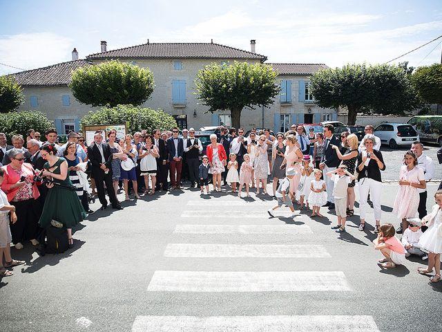 Le mariage de Benjamin et Amélie à Fontaine-Chalendray, Charente Maritime 39