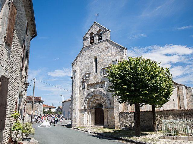 Le mariage de Benjamin et Amélie à Fontaine-Chalendray, Charente Maritime 42